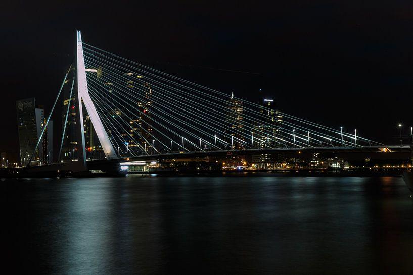 Erasmus bridge sur Menno Schaefer