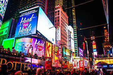 Menschenmassen am Times Square - New York von Yannai van der Werff