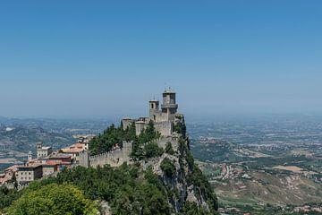 Spectaculair zicht op San Marino van Patrick Verhoef
