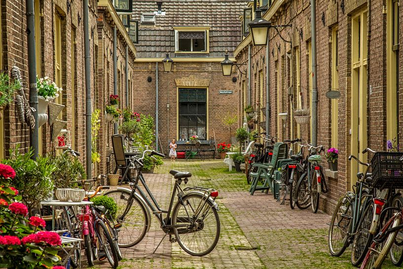 Een engeltje in de Moutstraat in Utrecht van John Kreukniet