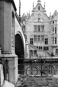 Gent , middeleeuws tafereel aan het water van