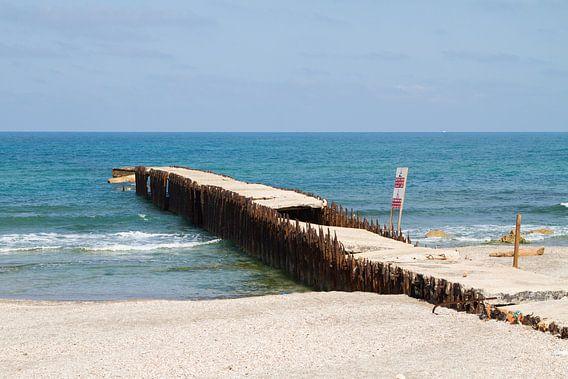 Oude pier in zee