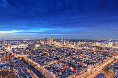 avond valt over Den Haag