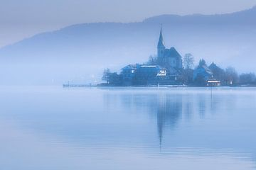 Winter op de Ossiacher See in Oostenrijk op een koele januari ochtend van Bas Meelker