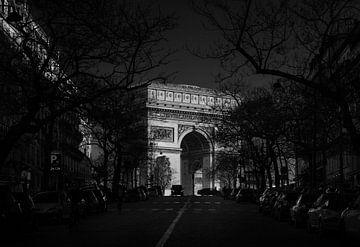 Paris, Arc de Triomphe bei Sonnenuntergang. von Maurits van Hout