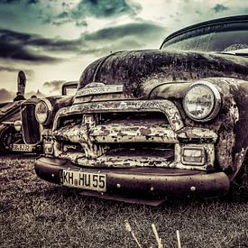 Chevrolet-Aufnahmeweinlese und rostig von autofotografie nederland