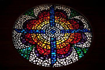 Kirchenfenster Nebo Berg von Kees van Dun