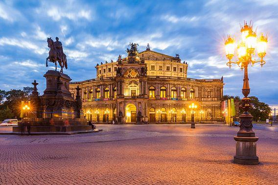 The Semperoper opera house in Dresden van Werner Dieterich