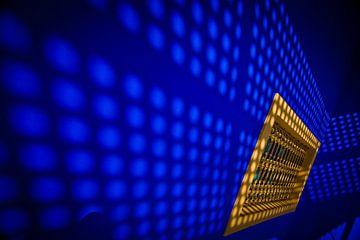 Dazzling blue van Evelyne Dierikx