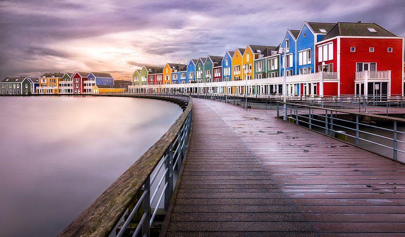 Kleurige huizen in Houten van Patrick Rodink