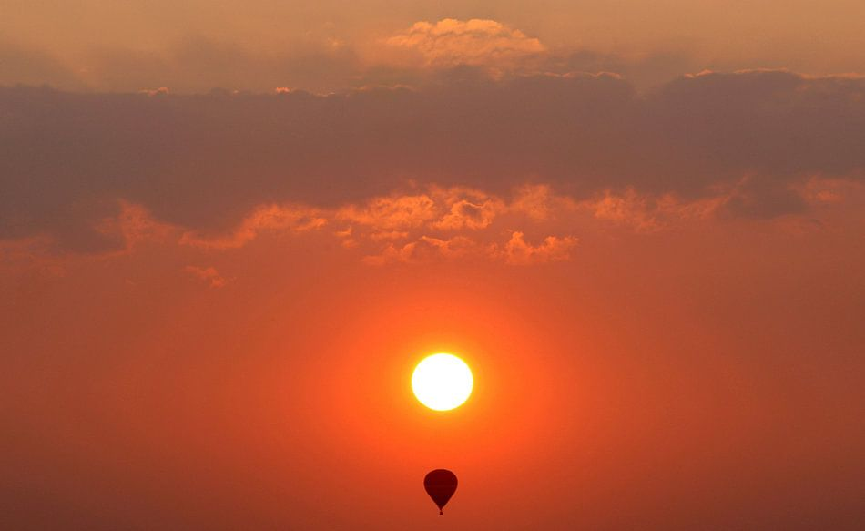 Ballon bij zonsondergang.