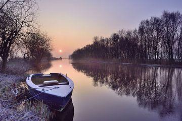 Bootje bij zonsopkomst