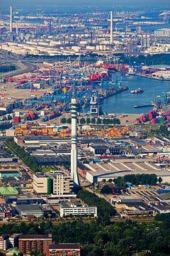Luchtfoto Waalhaven-Zuid met zendmast te Rotterdam