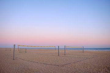 Volleybalveld op strand van Johan Vanbockryck
