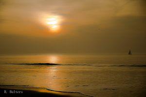 A Sailor drifting till the Sunset