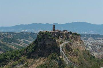 Civita di Bagnoregio in Italie van Patrick Verhoef