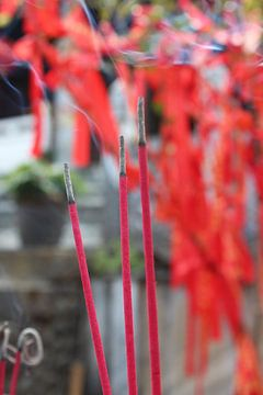Wierook in tempel in China van