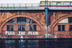 Berlin: Pull the Plug