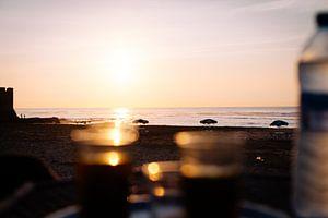 Tee an der Küste von Louise van Gend