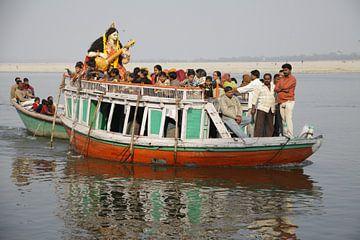 Boot op de Ganges van Cora Unk