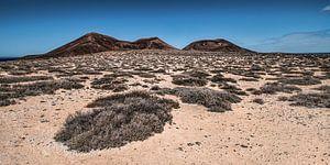 Landschap La Graciosa met El Mojon en de Aguja Grande