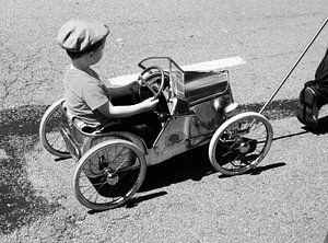 The little kid (vintage) van