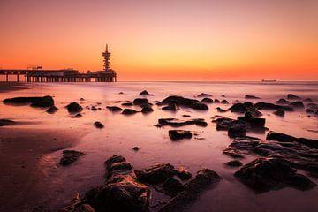 Scheveningen zonsondergang  van Dennis van de Water