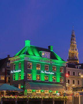 Die Heuschrecke und die alte Kirche, Amsterdam.