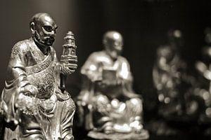 Buddha beeldengroep sepia