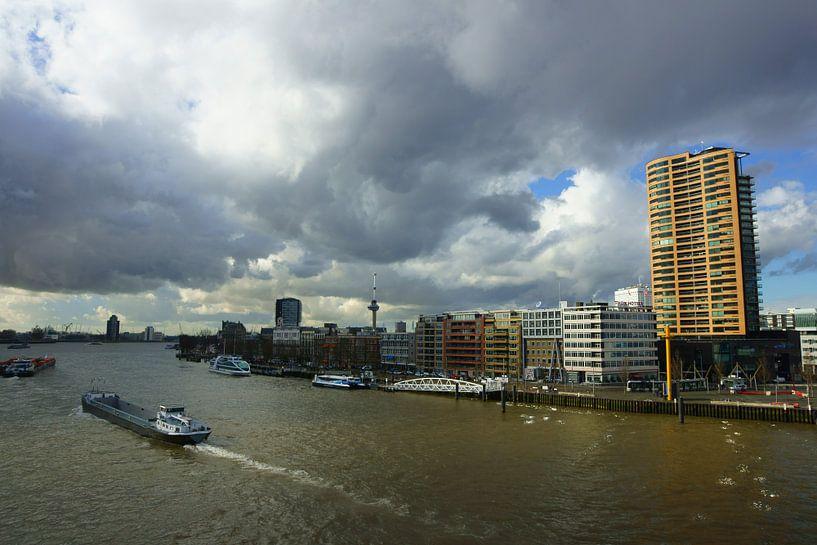 Nieuwe Maas in Rotterdam van Michel van Kooten