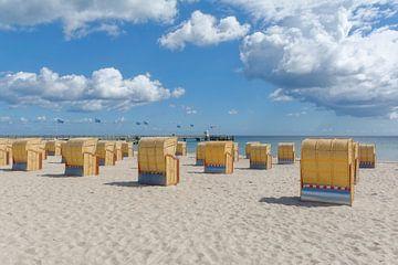 Strand in Dahme,Oostzee van Peter Eckert