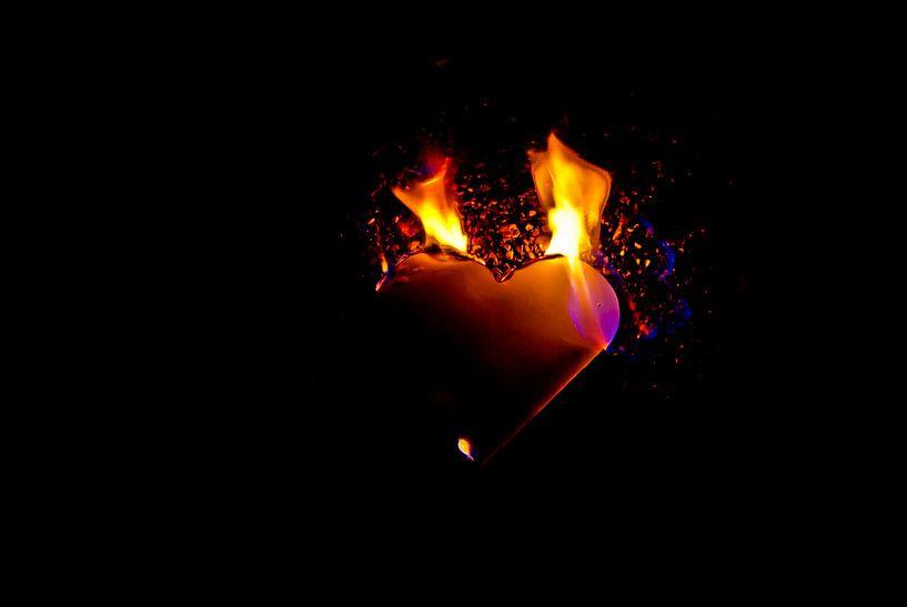 burning heart (8) van Norbert Sülzner
