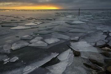 kruiend ijs breezand van peterheinspictures