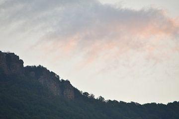 Berg mit Wolken von Trinity Fotografie