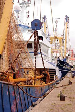Bateaux de pêche dans le port d'IJmuiden 3 I Industriel I Impression couleur vintage