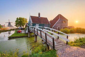 Zonsopgang in Zaanse Schans in Nederland van Michael Valjak