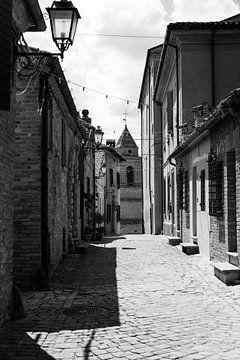 Straße in einem Bergdorf von Chantal Koster