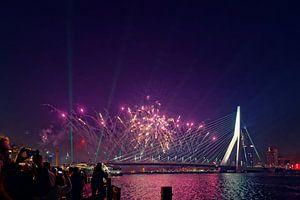 Nationaal vuurwerk Erasmusbrug Rotterdam van