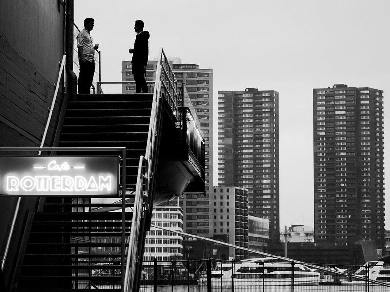 Schwarz-Weiß-Foto von Rotterdam von Rutger van Loo