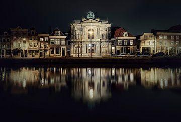 Haarlem: Teylers museum bij nacht. sur Olaf Kramer