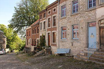 Idyllisch straatje in Belgisch dorp von Charella Hulsbosch