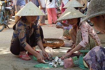 Vietnam streetscene van Daniel Chambers