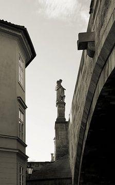 Statue des heiligen Nikolaus in Prag von Heiko Kueverling