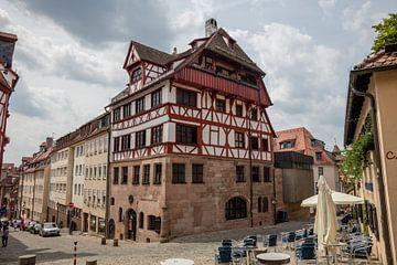 Woonhuis van Durer in Neurenberg stad, Duitsland van Joost Adriaanse