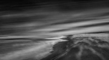 Sandblast on the beach van Martin van Lochem