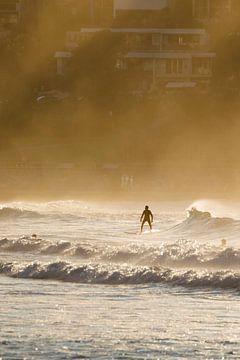 Surfer Bondi Beach in Sydney von Rob van Esch