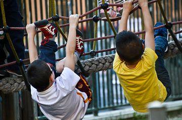 Kinder spielen Rom von Marieke van der Hoek-Vijfvinkel