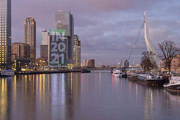 Südufer und Erasmusbrücke in Rotterdam von Remco Swiers