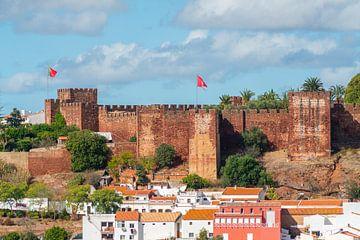Het kasteel van Silves in de Algarve in Portugal van Ivo de Rooij