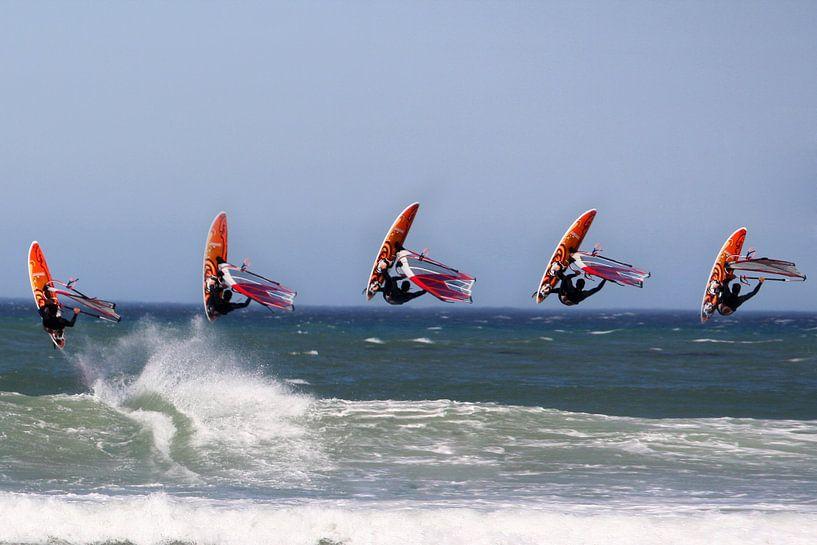 Surfing van Pascal van Dijk